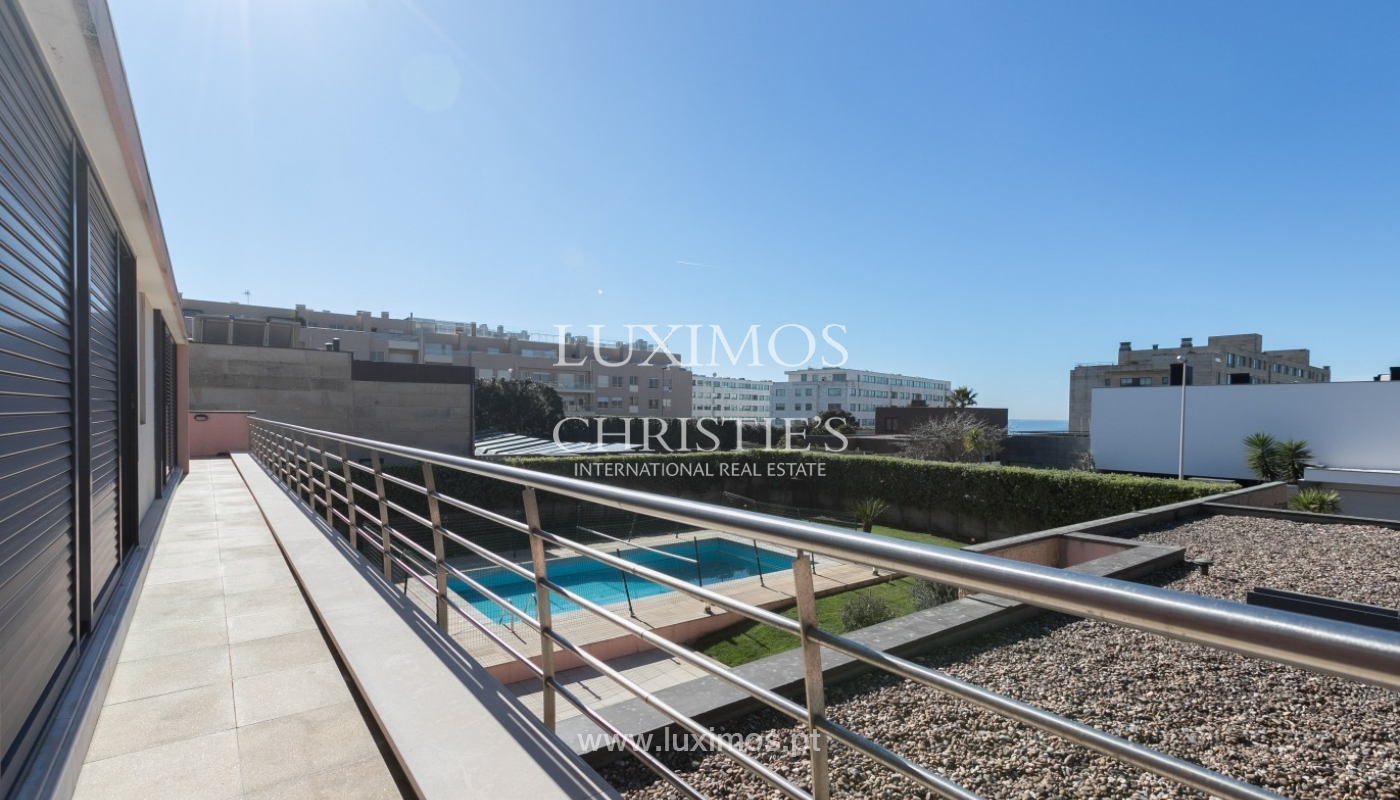 Sale of luxury villa with garden and pool, Leça da Palmeira, Portugal_97703