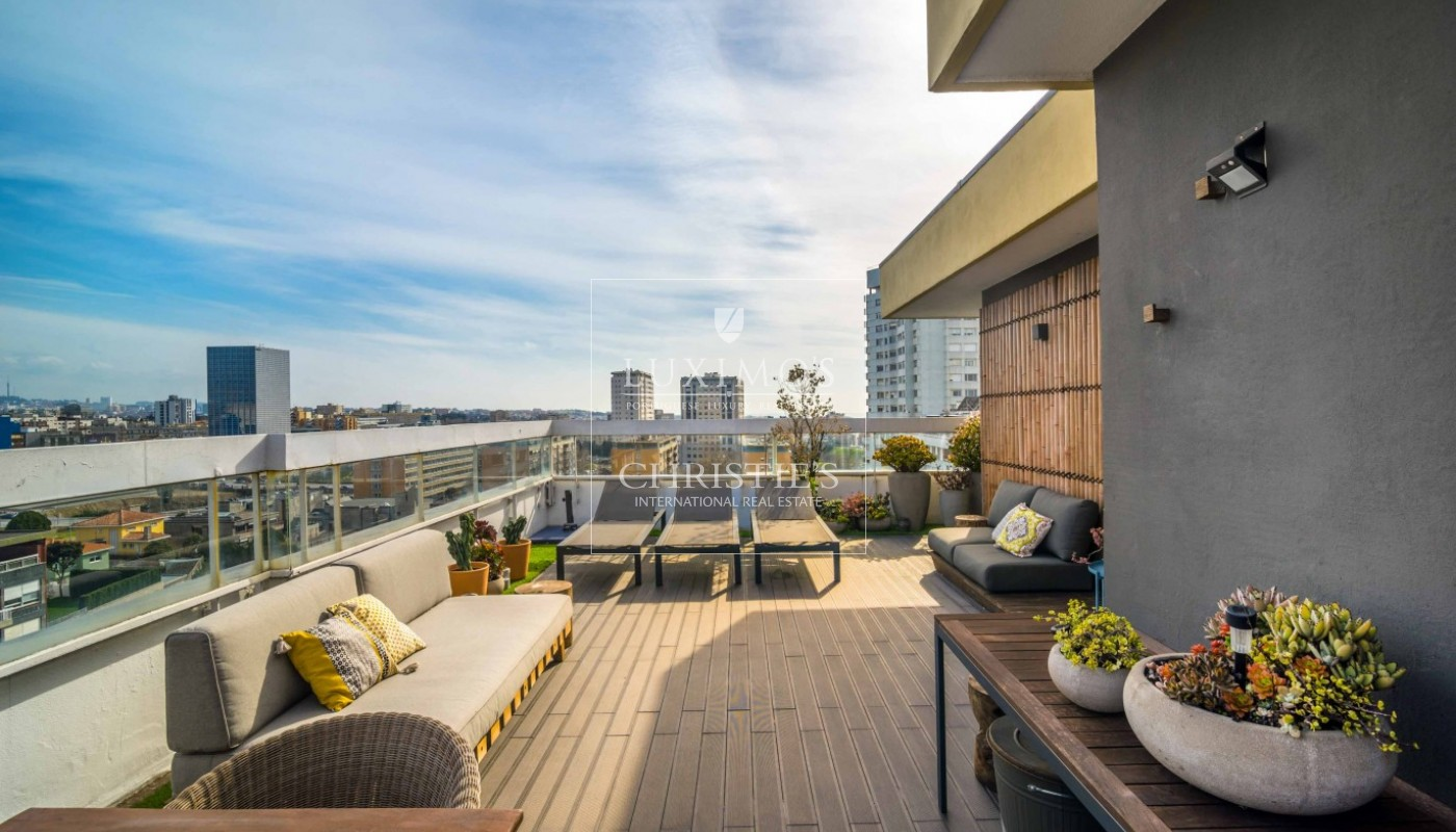 Sale of contemporary luxury penthouse w/ ocean views, Porto, Portugal_97727