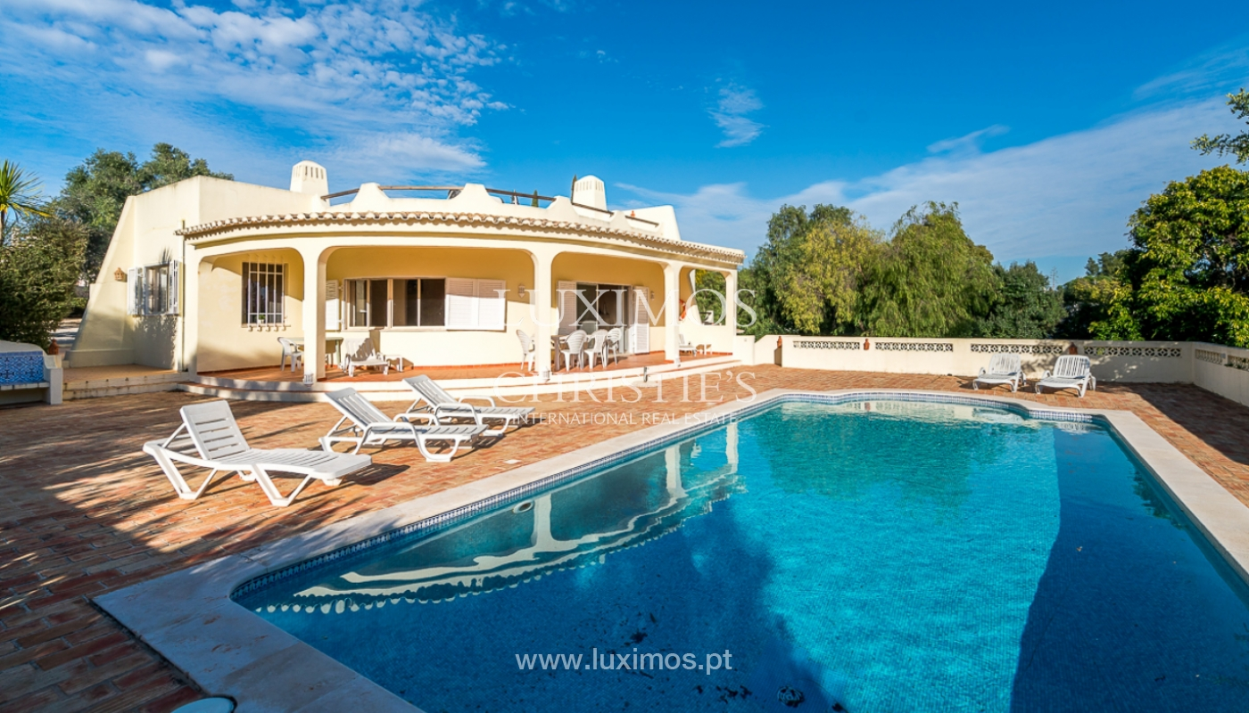Sale of villa with swimming pool in Portimão, Algarve, Portugal_97896