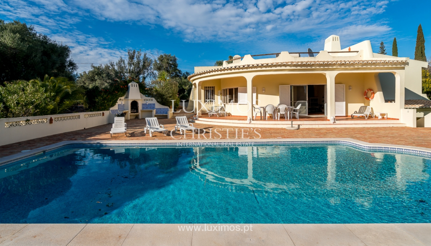 Sale of villa with swimming pool in Portimão, Algarve, Portugal_97897
