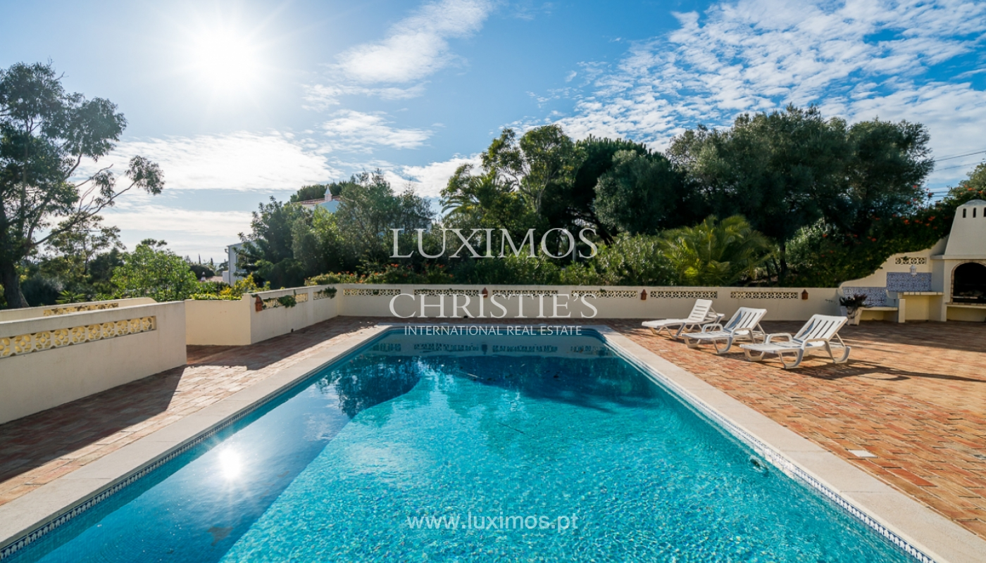 Sale of villa with swimming pool in Portimão, Algarve, Portugal_97898