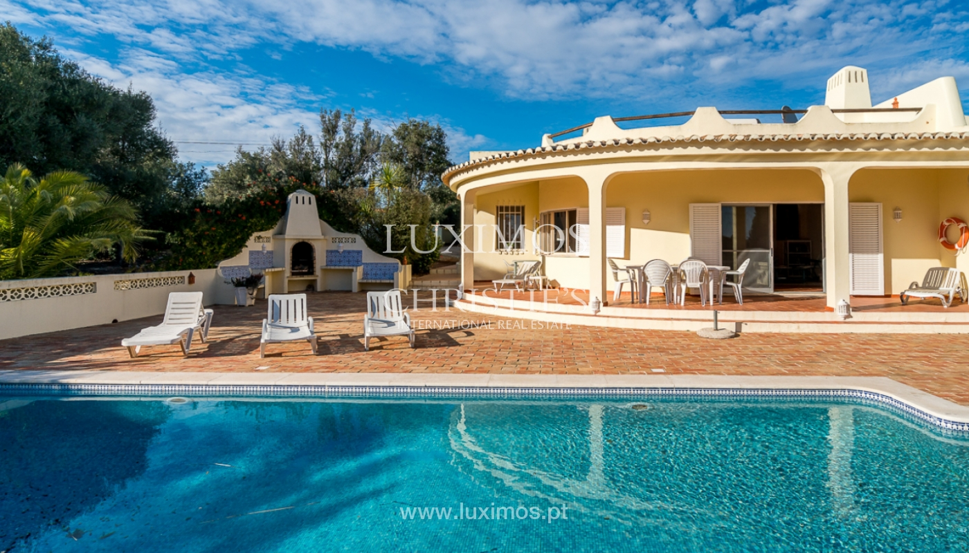 Sale of villa with swimming pool in Portimão, Algarve, Portugal_97902