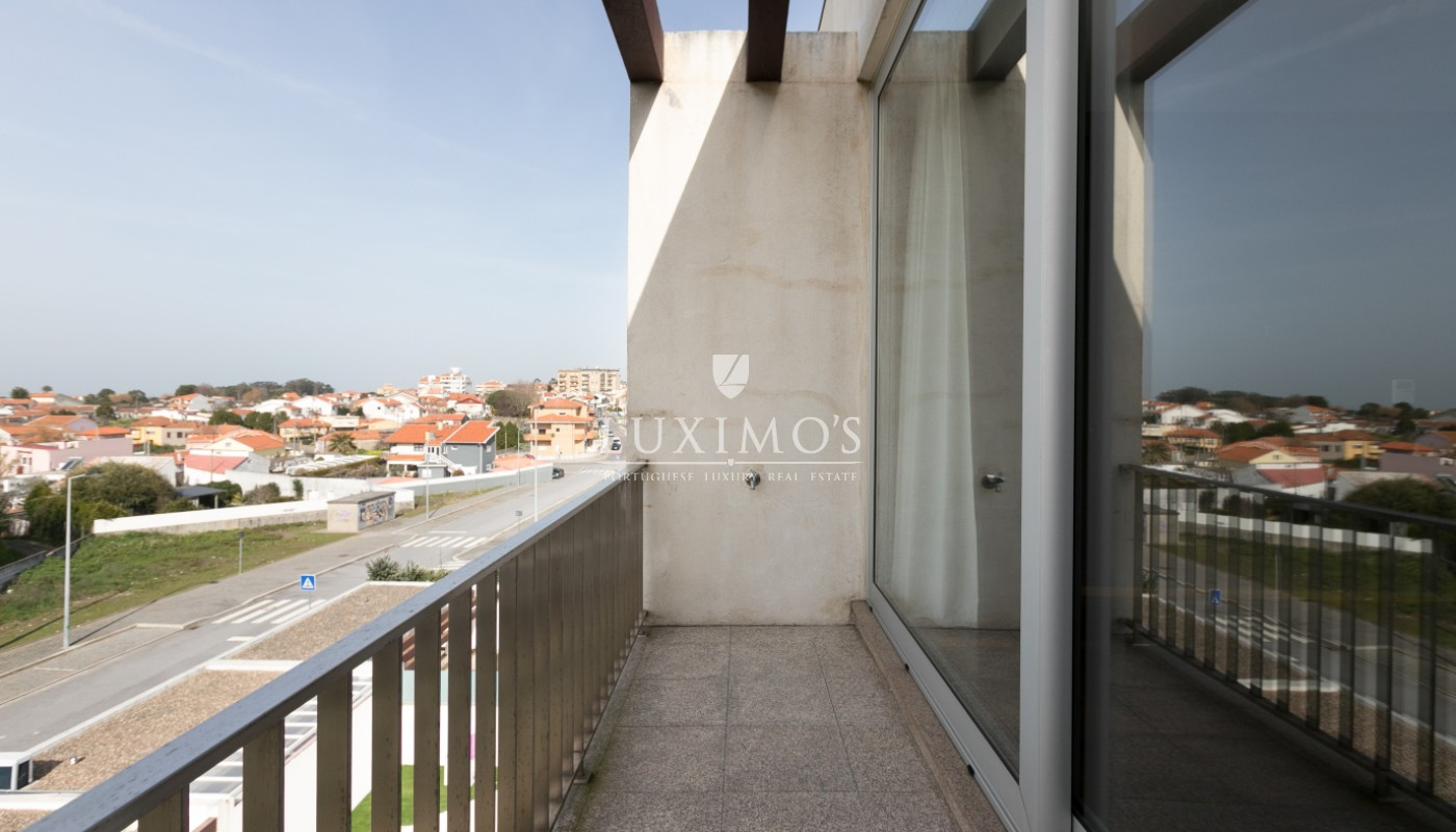 Sale of contemporary villa with pool, Vila Nova de Gaia, Portugal_97996