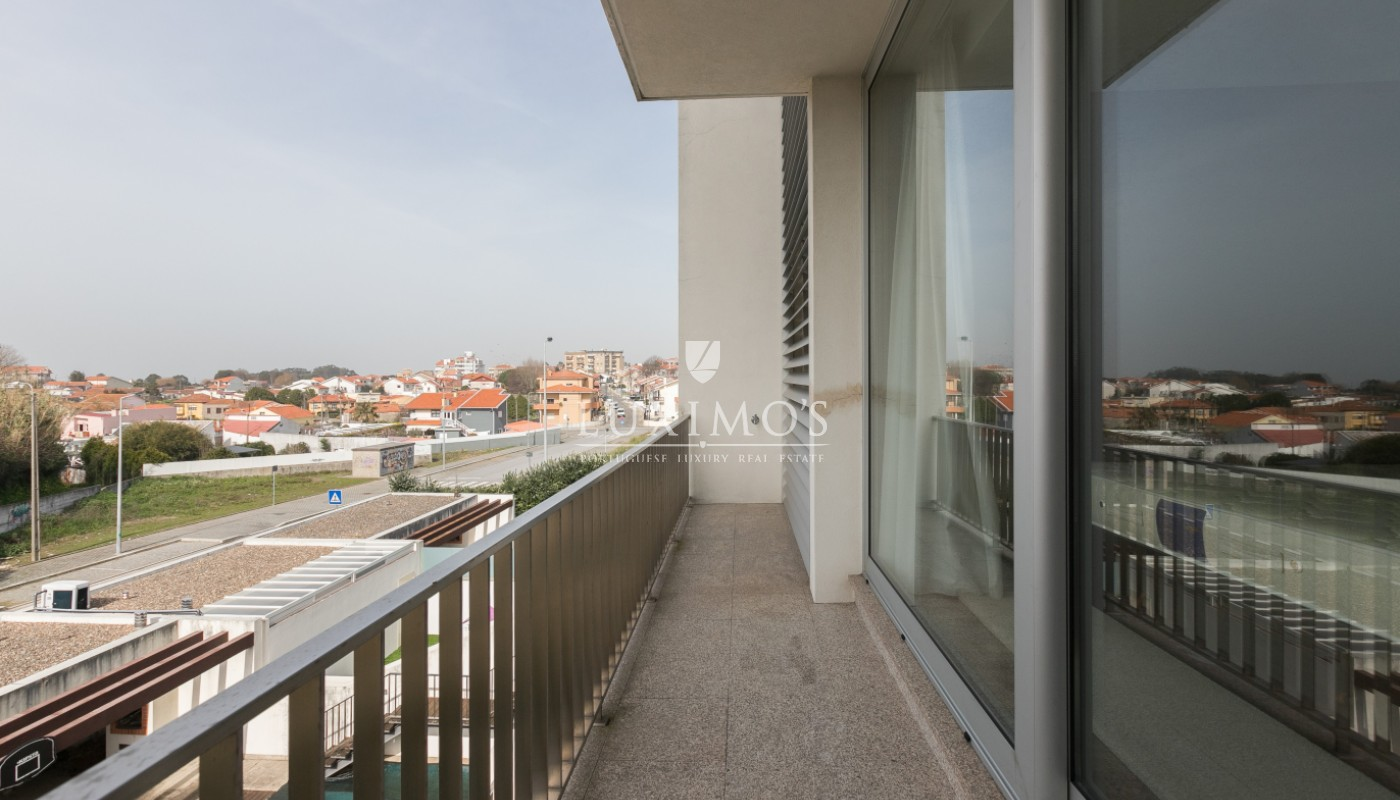 Sale of contemporary villa with pool, Vila Nova de Gaia, Portugal_98018