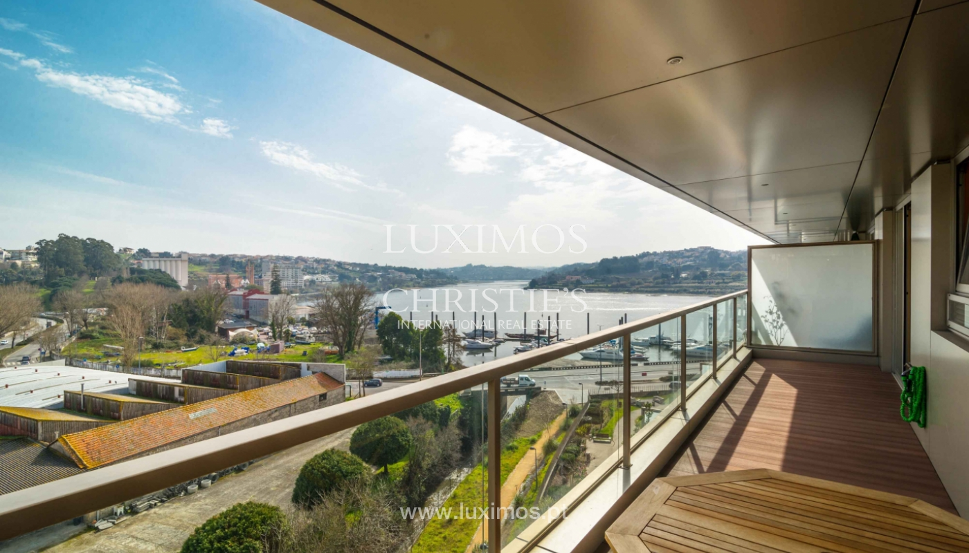Sale of apartment with balcony and river views, Porto, Portugal_98274