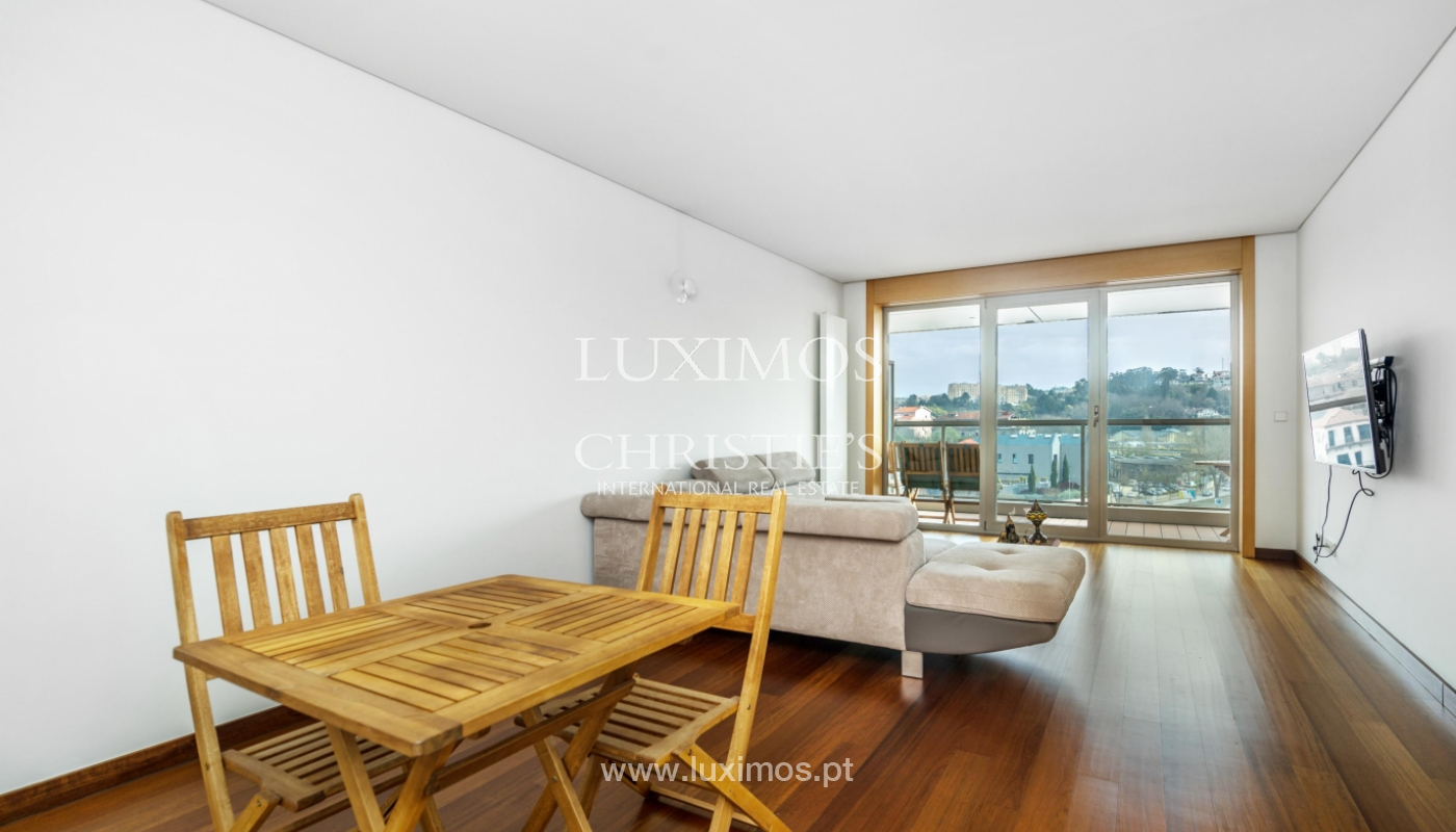 Sale of apartment with balcony and river views, Porto, Portugal_98276