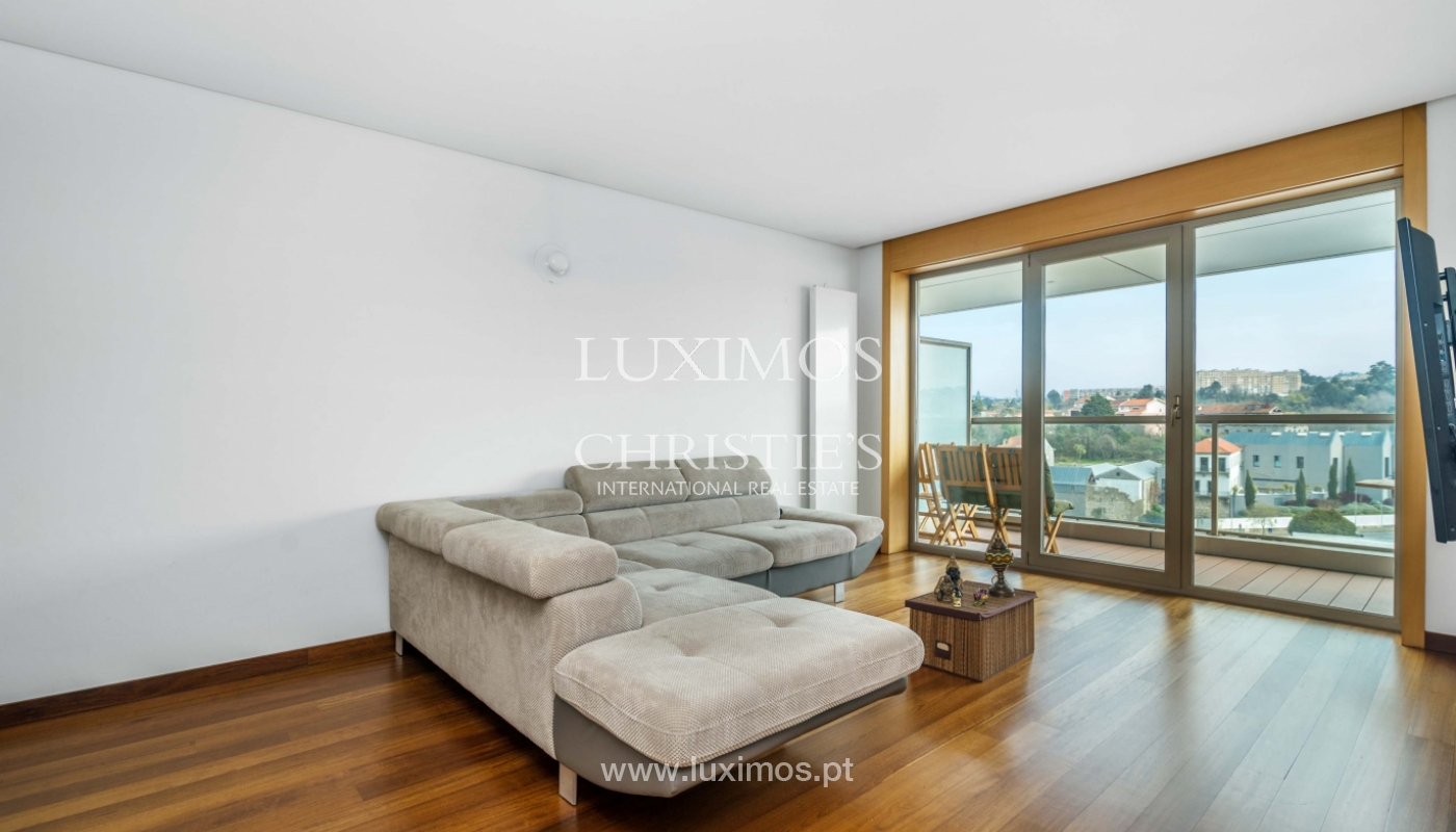 Sale of apartment with balcony and river views, Porto, Portugal_98279