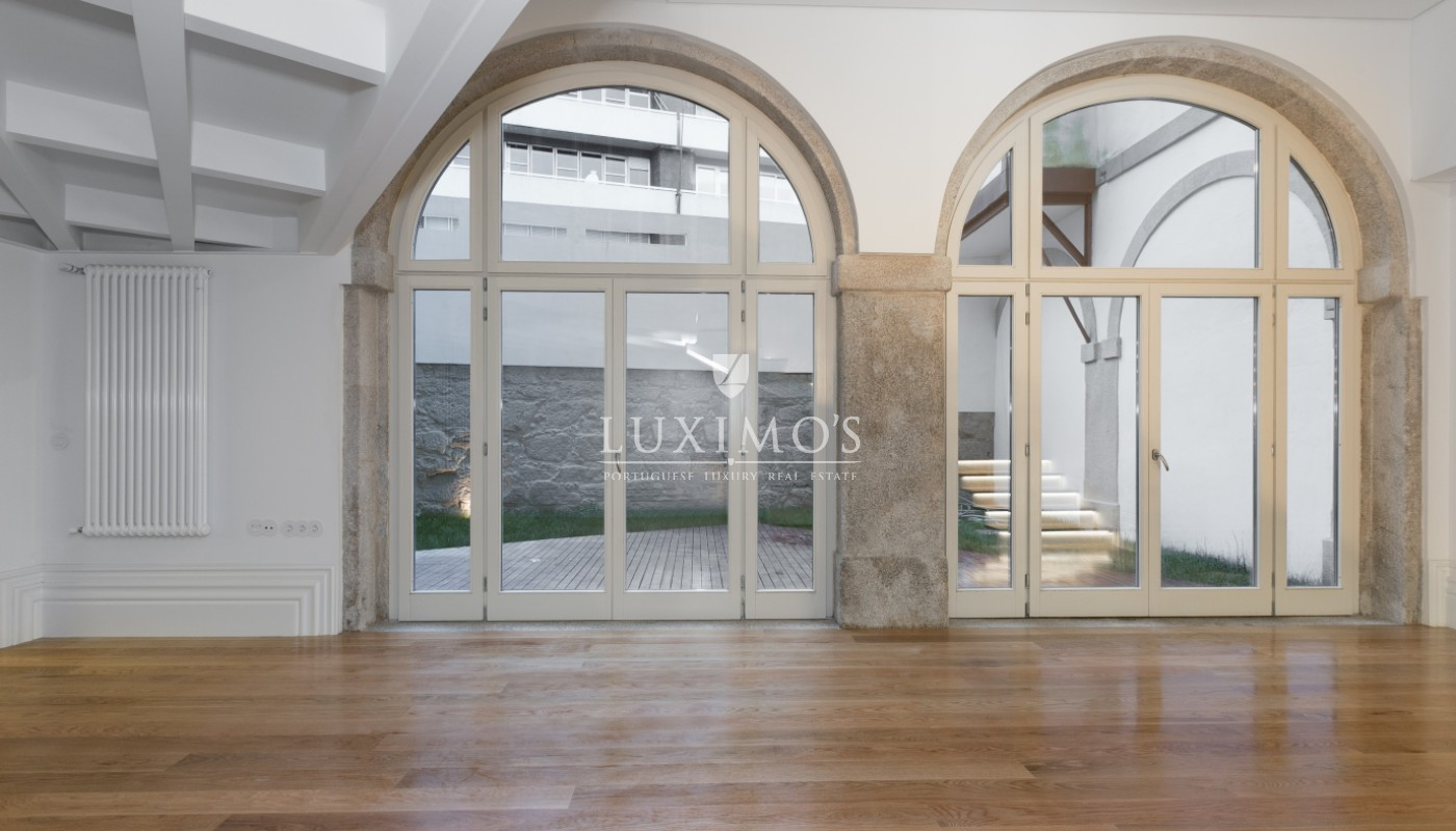 Sale of new apartment with deck and garden, Porto, Portugal_98550