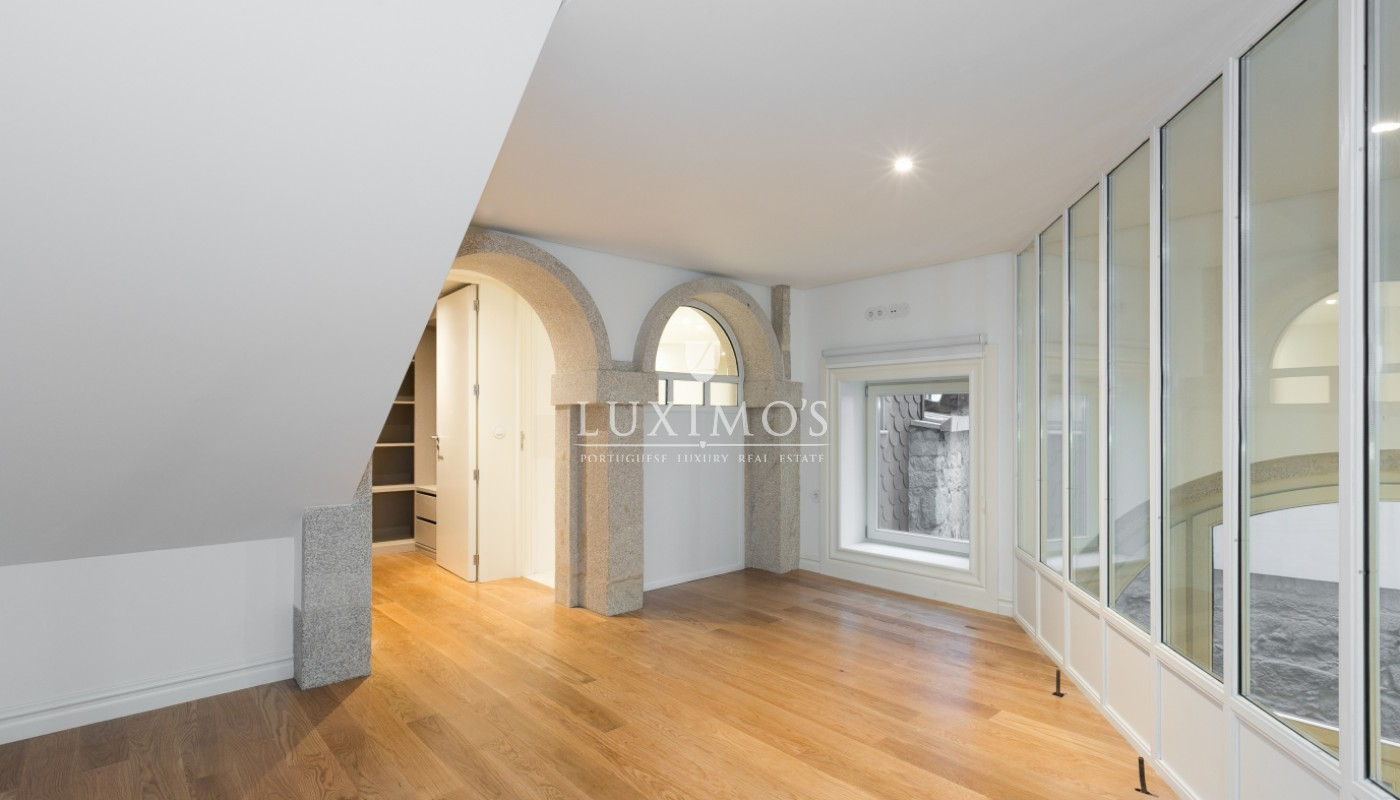 Sale of new apartment with deck and garden, Porto, Portugal_98552