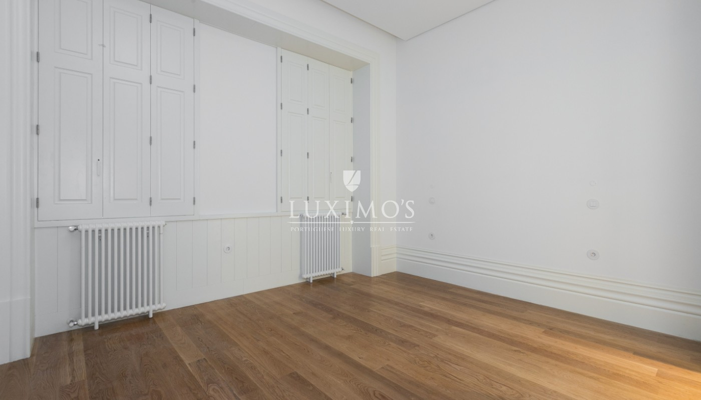 Sale of new apartment with deck and garden, Porto, Portugal_98559