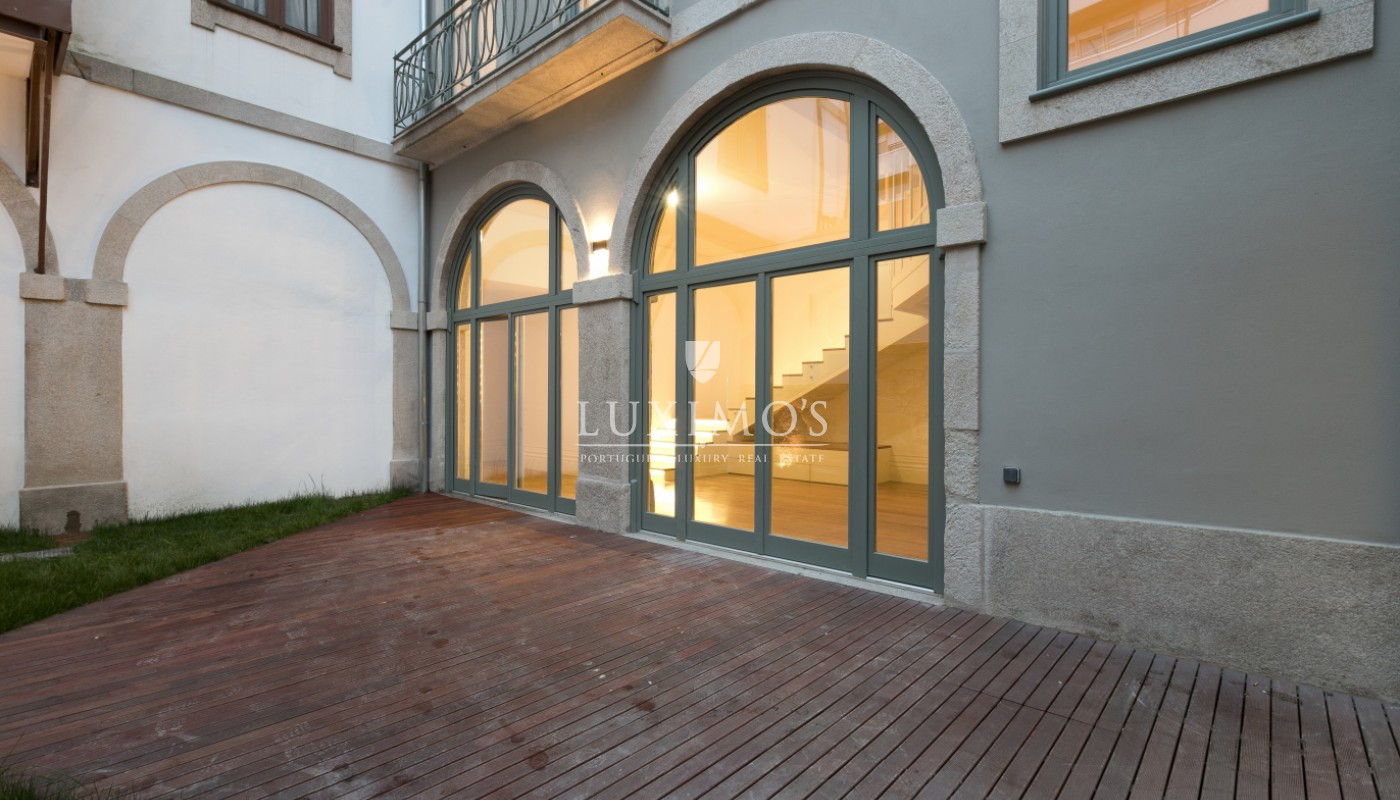 Sale of new apartment with deck and garden, Porto, Portugal_98562