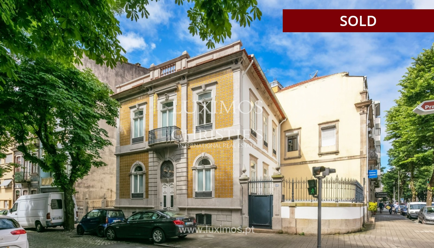 Sale of luxury apartment in downtown Porto, Portugal_98737