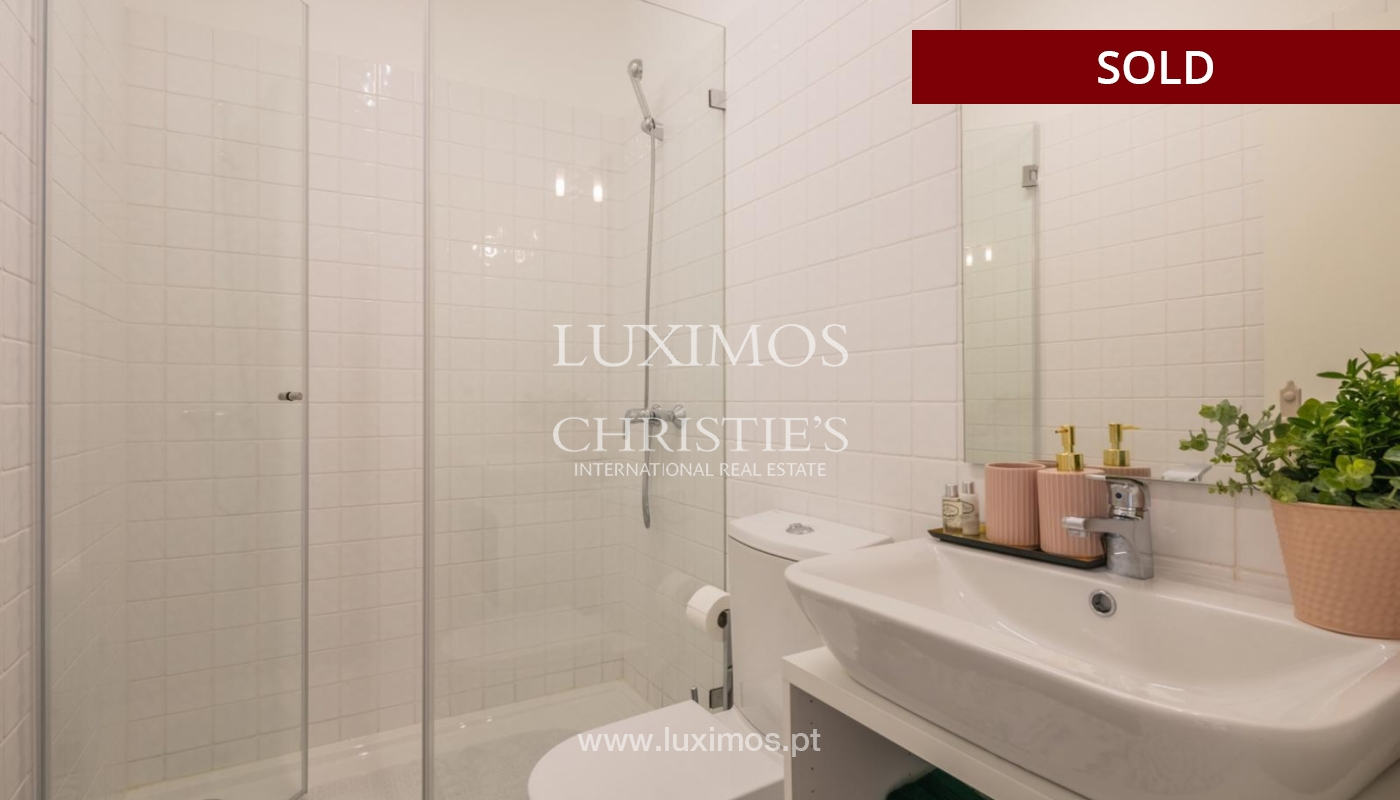 Sale of luxury apartment in downtown Porto, Portugal_98746