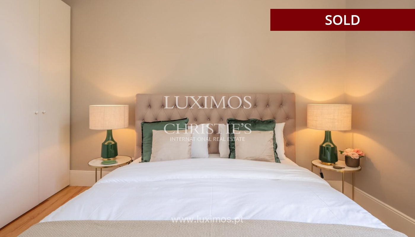 Sale of luxury apartment in downtown Porto, Portugal_98750