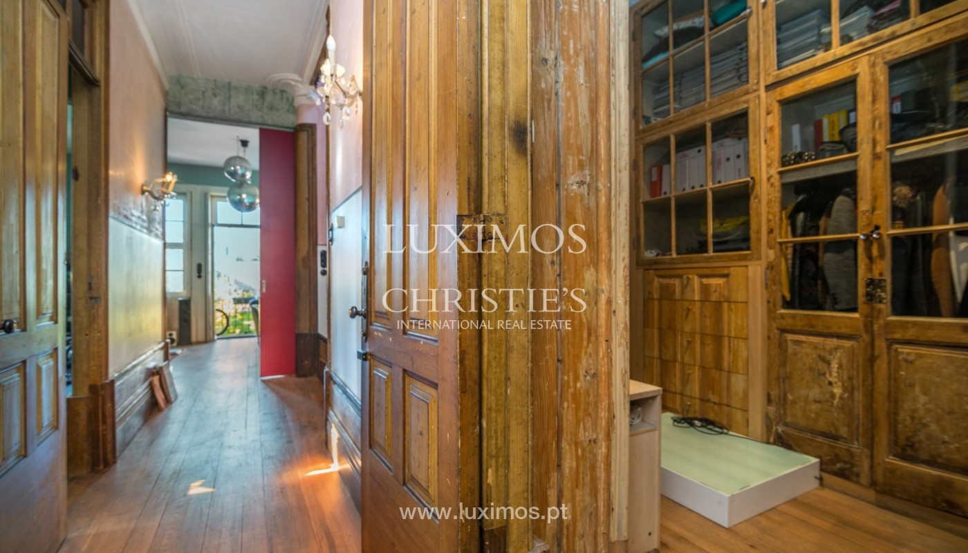 Sale of house with the backyard, Foz do Douro, Porto_99321