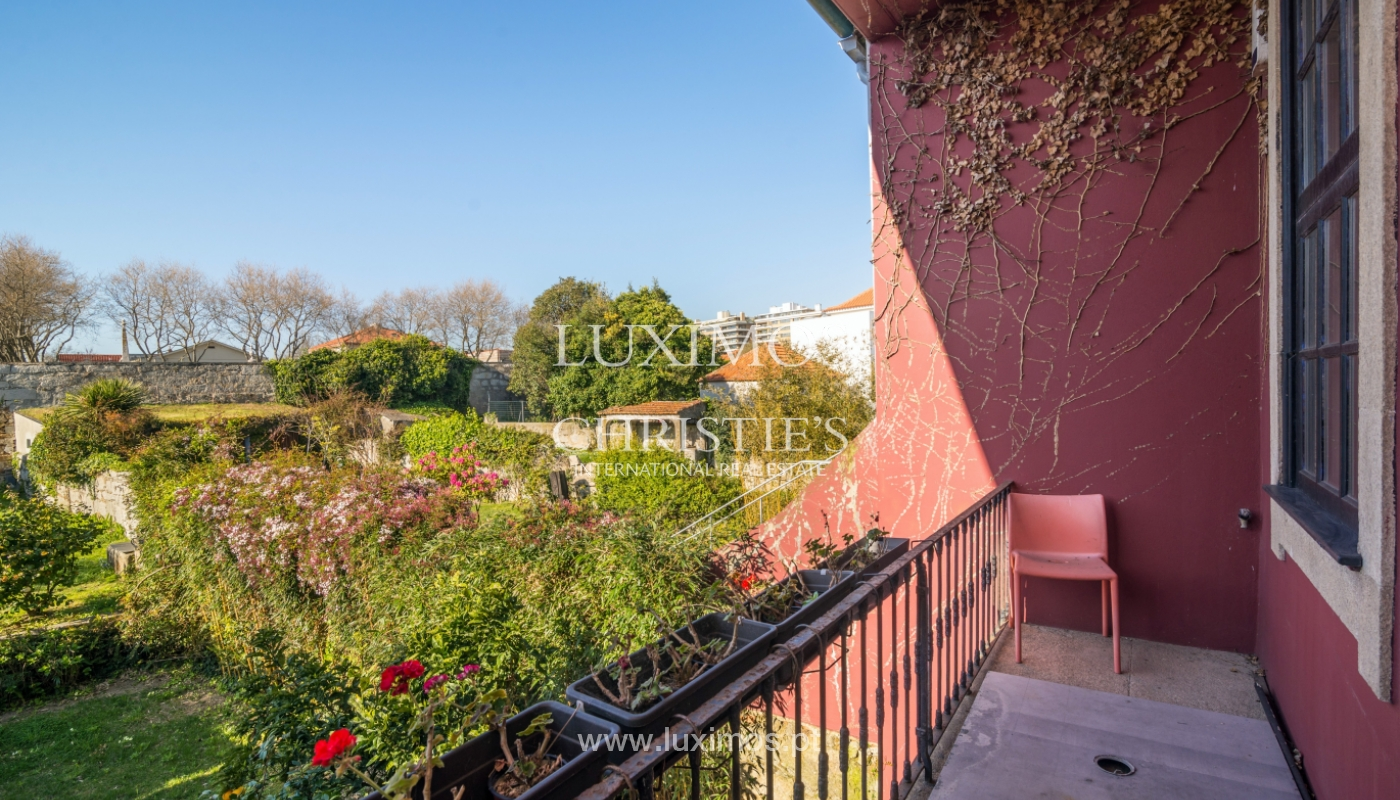 Sale of house with the backyard, Foz do Douro, Porto_99334