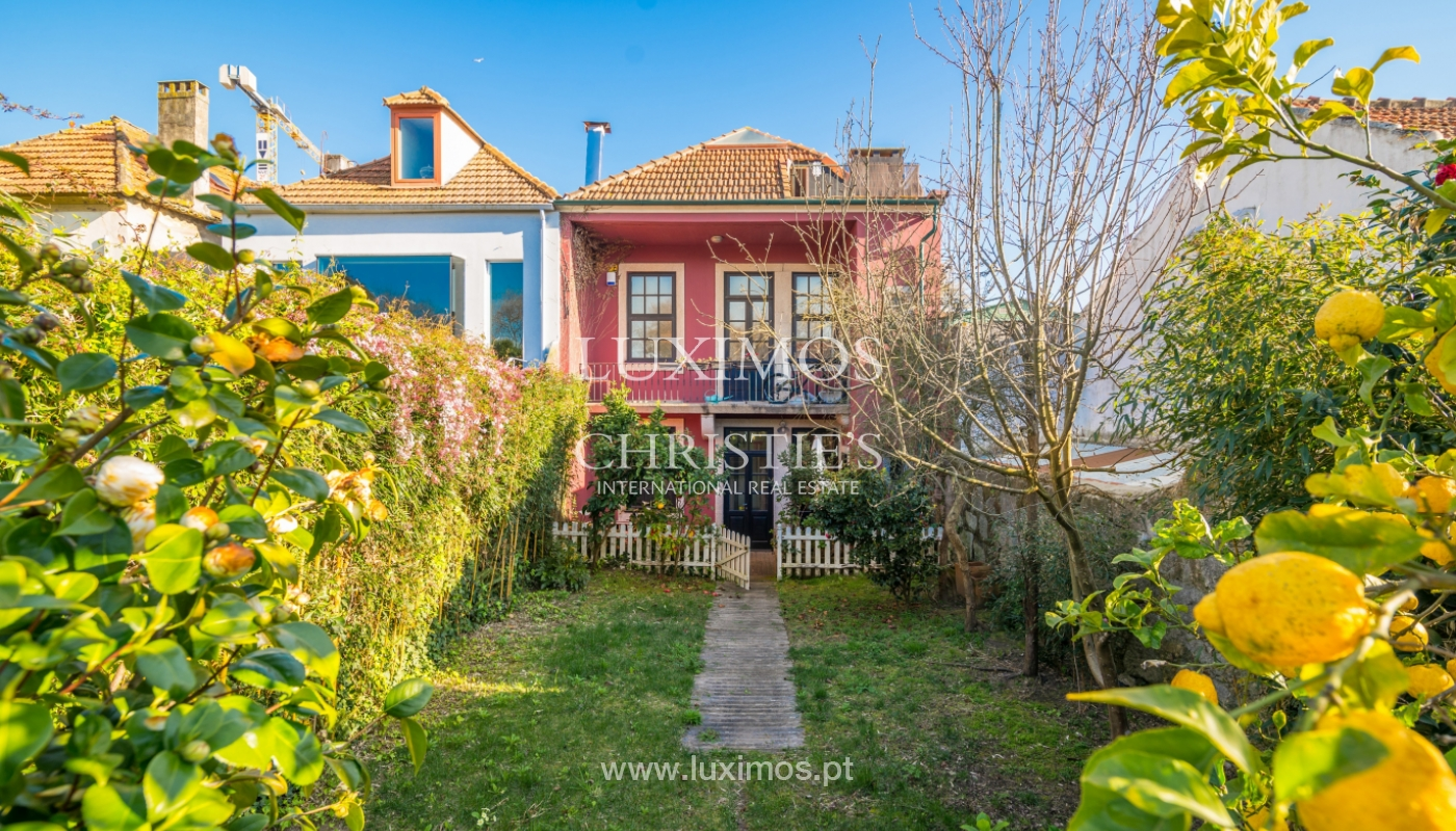 Sale of house with the backyard, Foz do Douro, Porto_99342