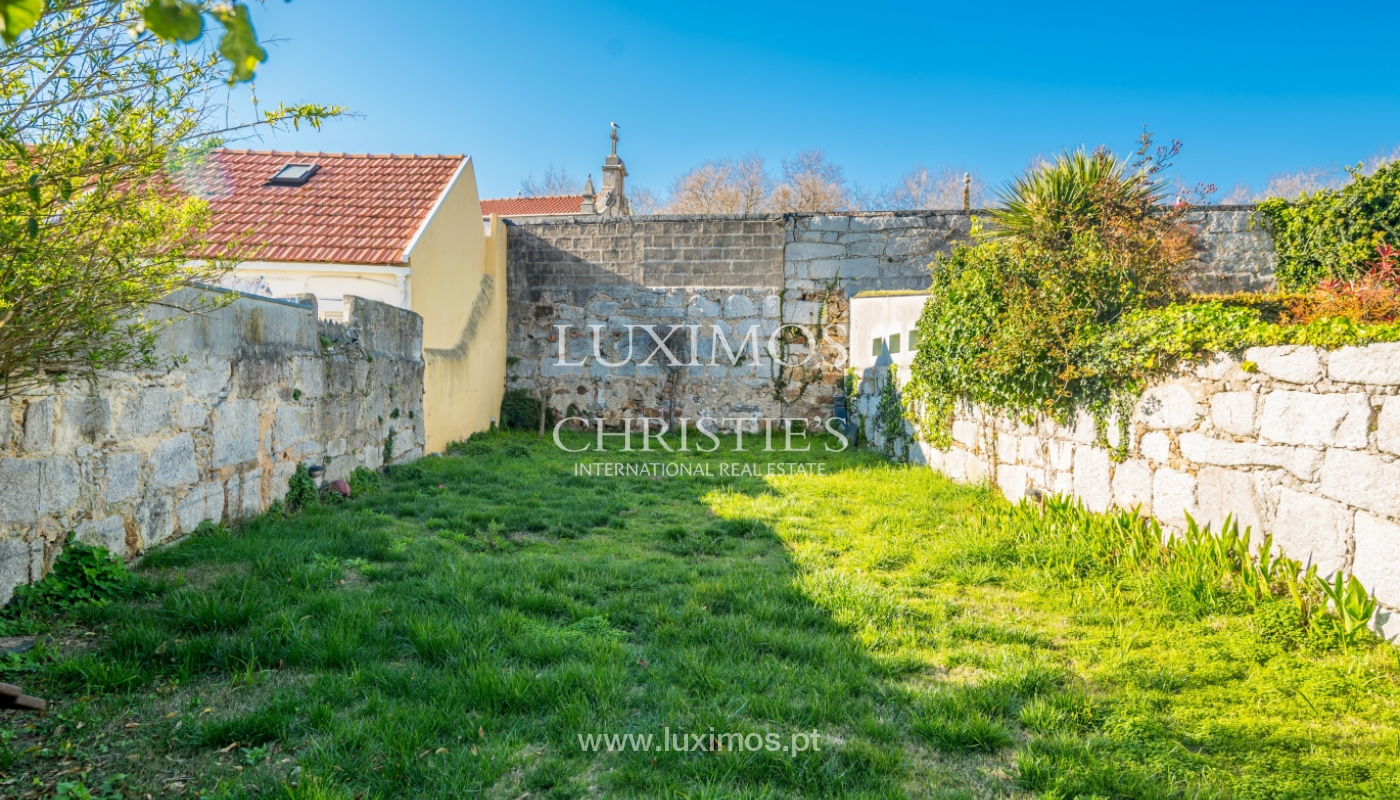 Sale of house with the backyard, Foz do Douro, Porto_99343