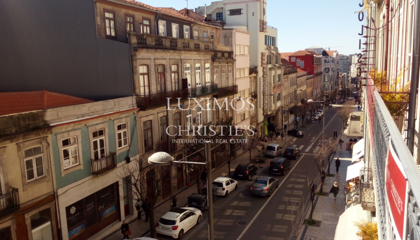 Sale of Building with patio, in downtown Porto, Portugal_99439