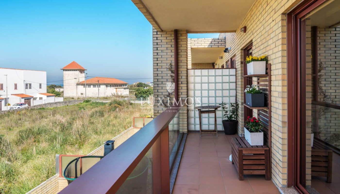 Sale of apartment in private condominium, Vila Nova de Gaia, Portugal_99534