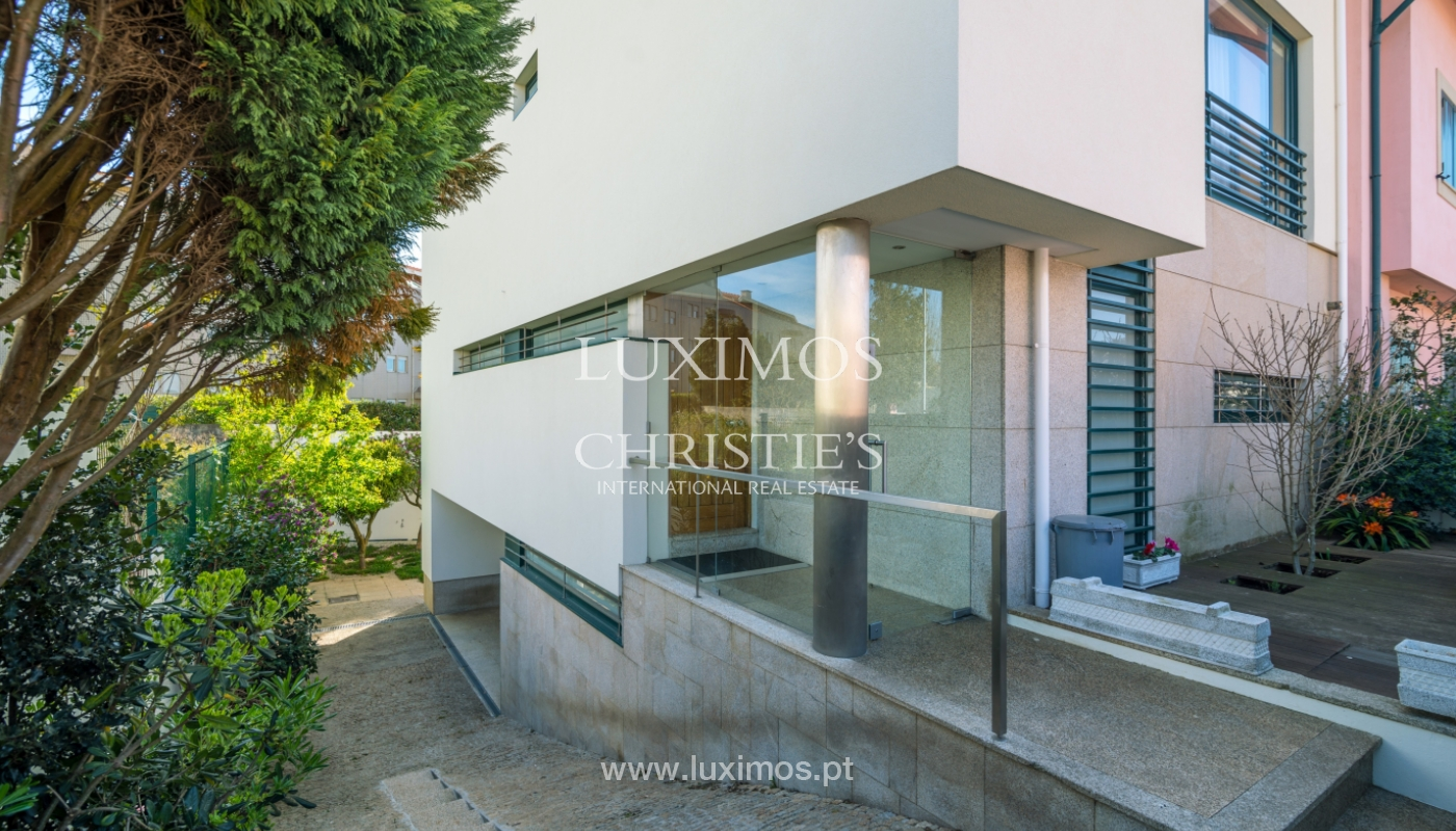 Sale of contemporary villa, close to beach, Vila Nova Gaia, Portugal_99609