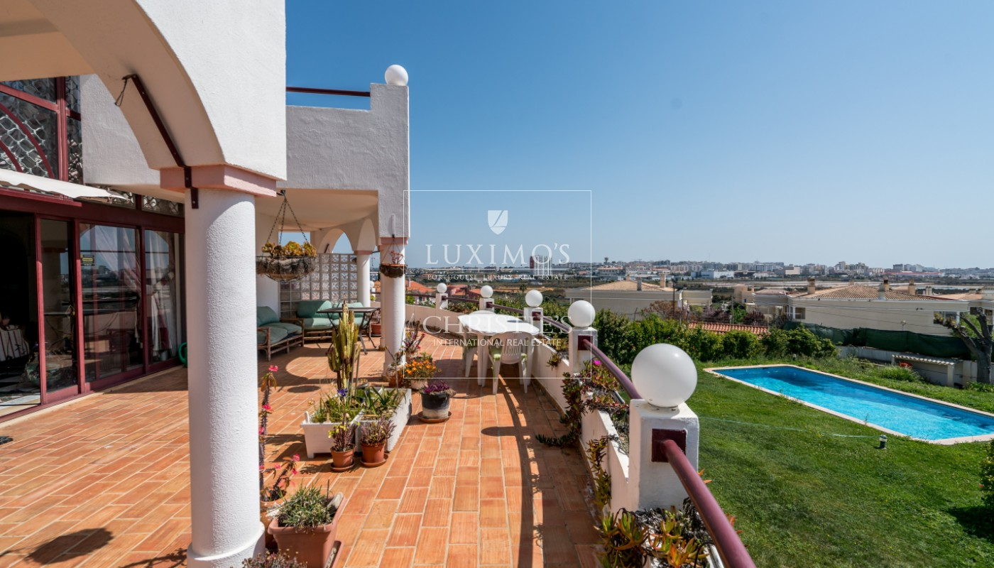 Venda de moradia com piscina e vista mar em Faro, Algarve_99901