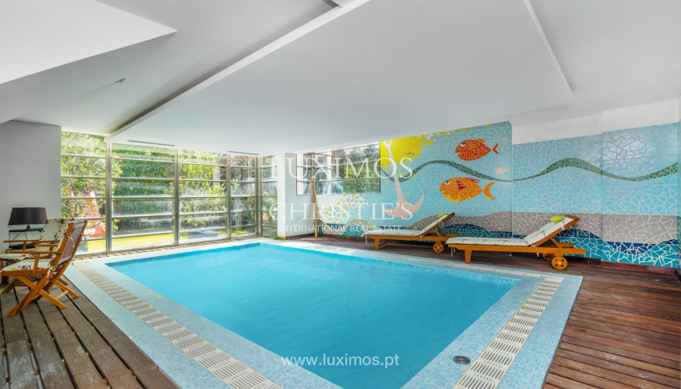 Sale of villa with private pool and garden, V. N. Gaia, Portugal_99953