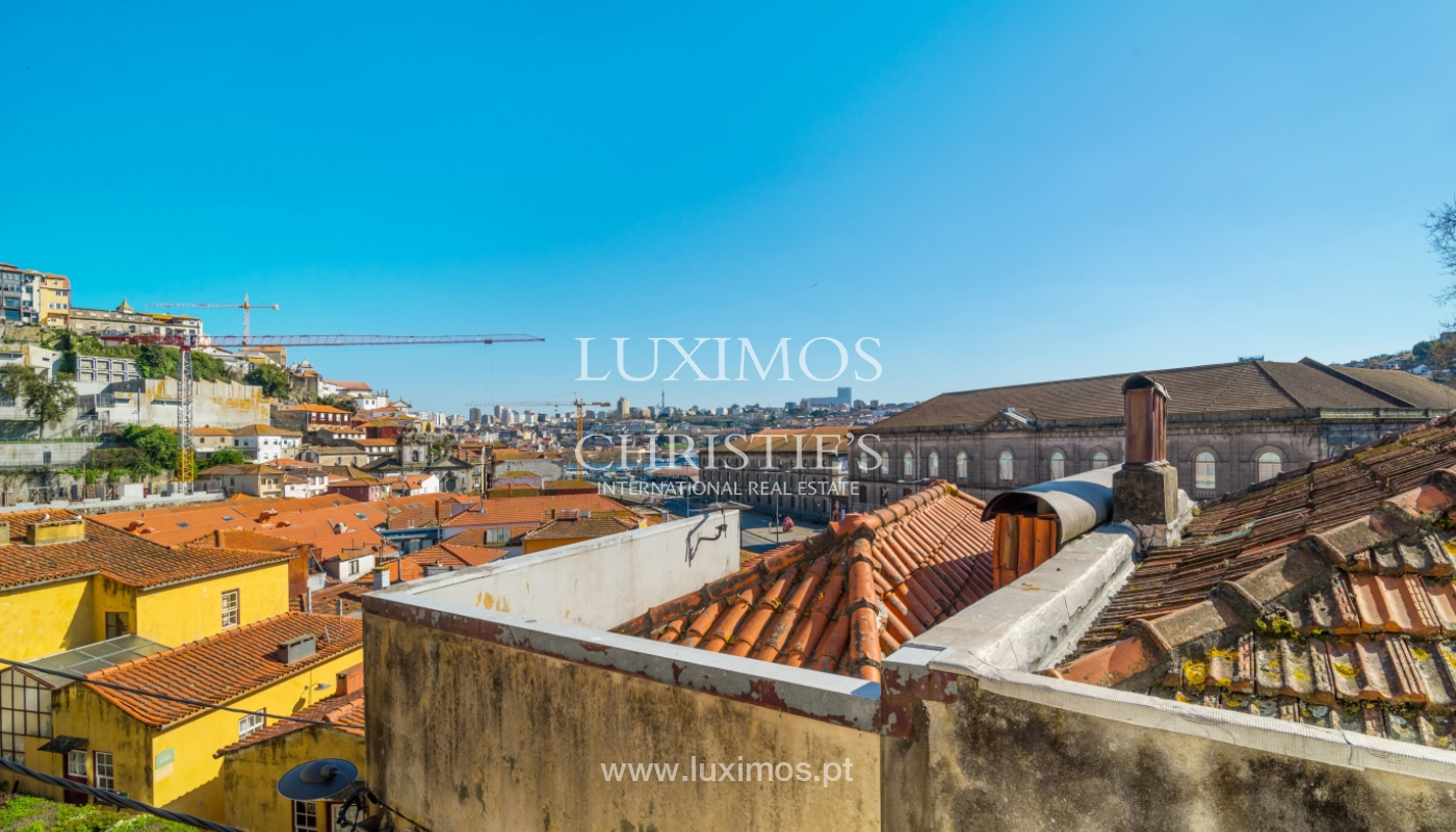 Sale of Building for rehabilitation, in the historic centre of Porto, Portugal_99972