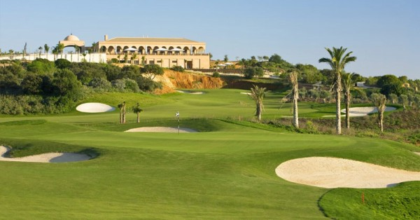 Where to buy a luxury house at a golf resort in the Algarve?