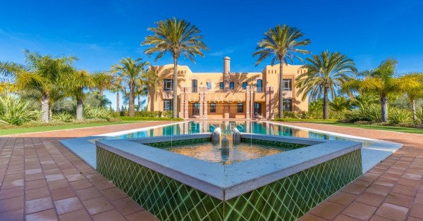 Discover the most luxurious houses for sale in the Algarve, Portugal