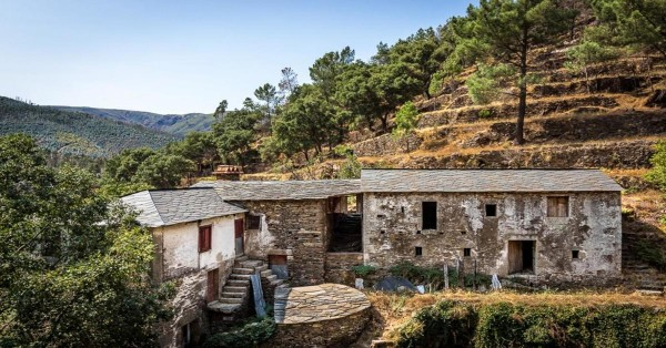 Ecological investments: get to know two Portuguese villages for sale